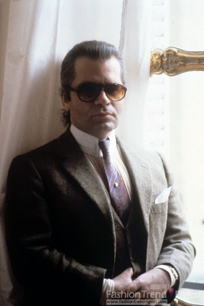 Karl即将开始他的Chanel帝国之旅的前夕