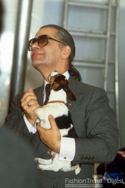 苏富比为Karl举办了其在Chanel时期的作品展