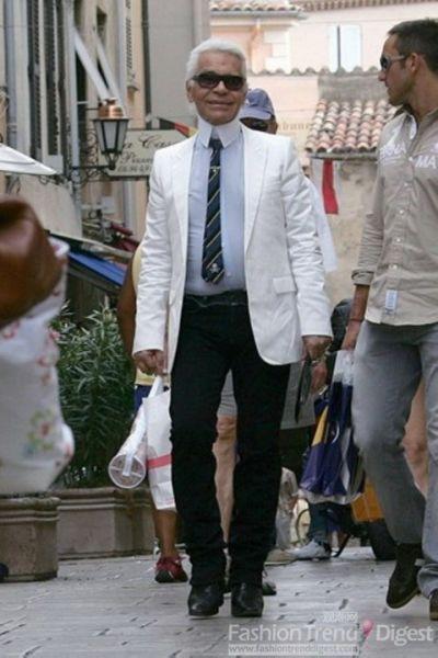 Karl在法国圣特罗佩兹享受着自己的假期