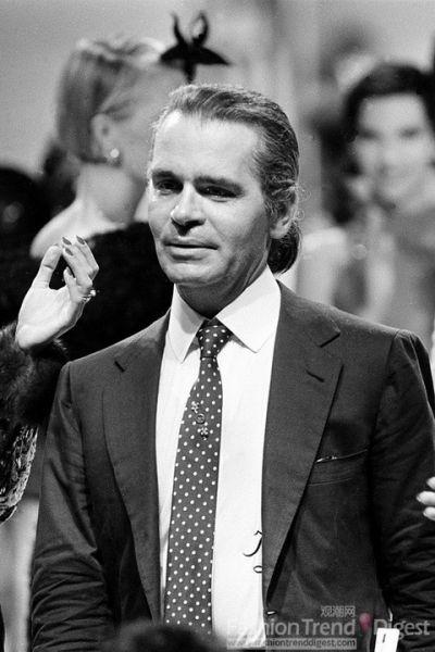 Karl接过了Chanel的帅印