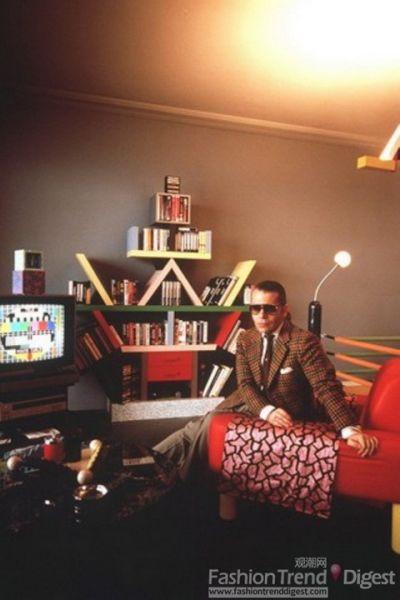 Karl在自己的公寓