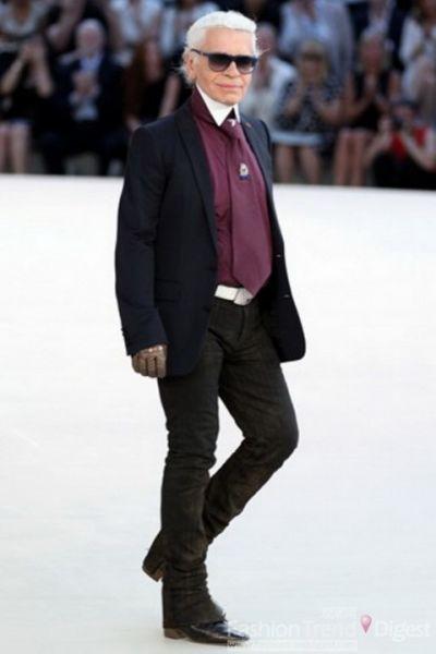 Karl在自己的时装上给人一些新的惊喜