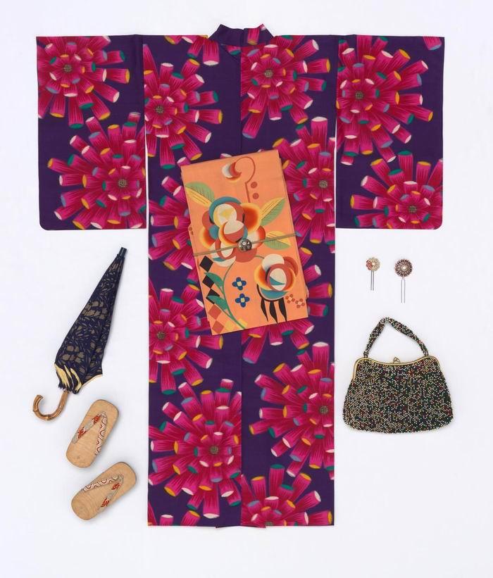 1930年<a href=http://www.ccdol.com/ target=_blank class=infotextkey>设计</a>新颖的女士和服