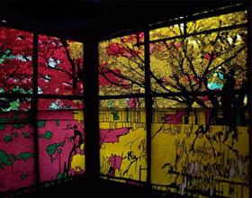 日本艺术家切纸艺术中的幻化色彩与魔幻剪影