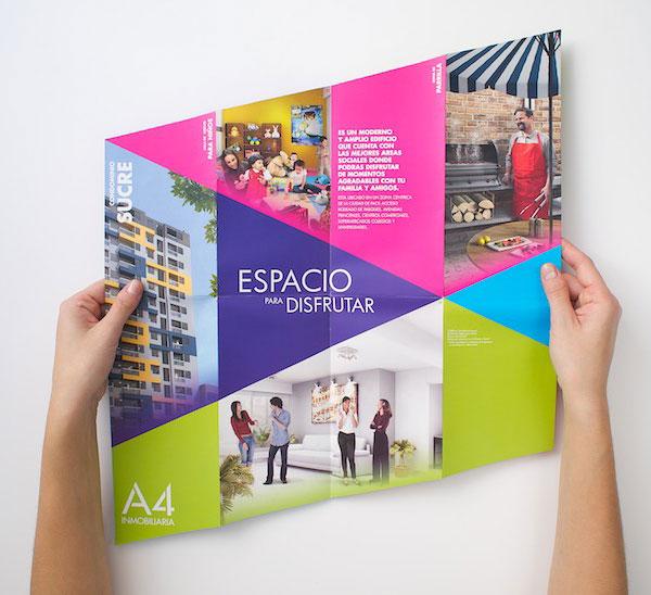 一套国外折页地产楼书设计