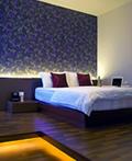 色彩明快的新加坡公寓现代室内设计