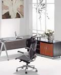 经典的现代大班台-经理办公室室内设计
