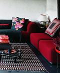 红与黑的室内设计