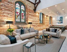 令人惊叹的苏格兰中世纪教堂改造成的住宅设计