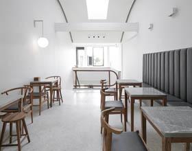 """由私宅改造的""""8号中转站""""咖啡店"""
