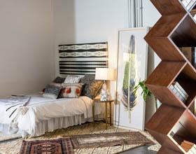 13个获得高效空间的最佳工作室公寓家具装修案例